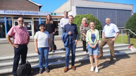 Astrid-Sven-Kandidaten vor Kleeblattschule Markoldendorf