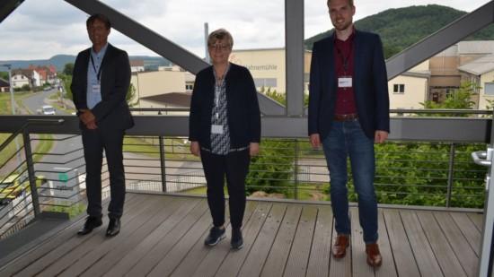 Sven Wolter und Frauke Heiligenstadt besu7chen Hahnemühle